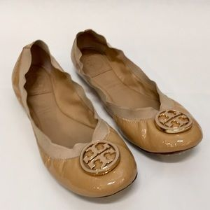 TORY BURCH Caroline Tan Ballet Flat Sz. 8 EUC